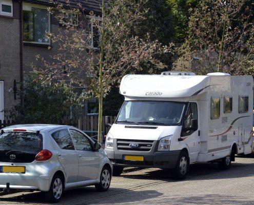 camper uit de stalling voorbereiding reis
